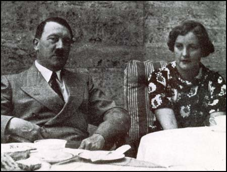 Hitler & Mitford